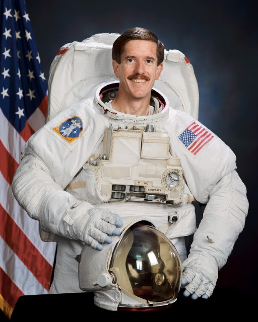 astronaut in space currently - photo #46